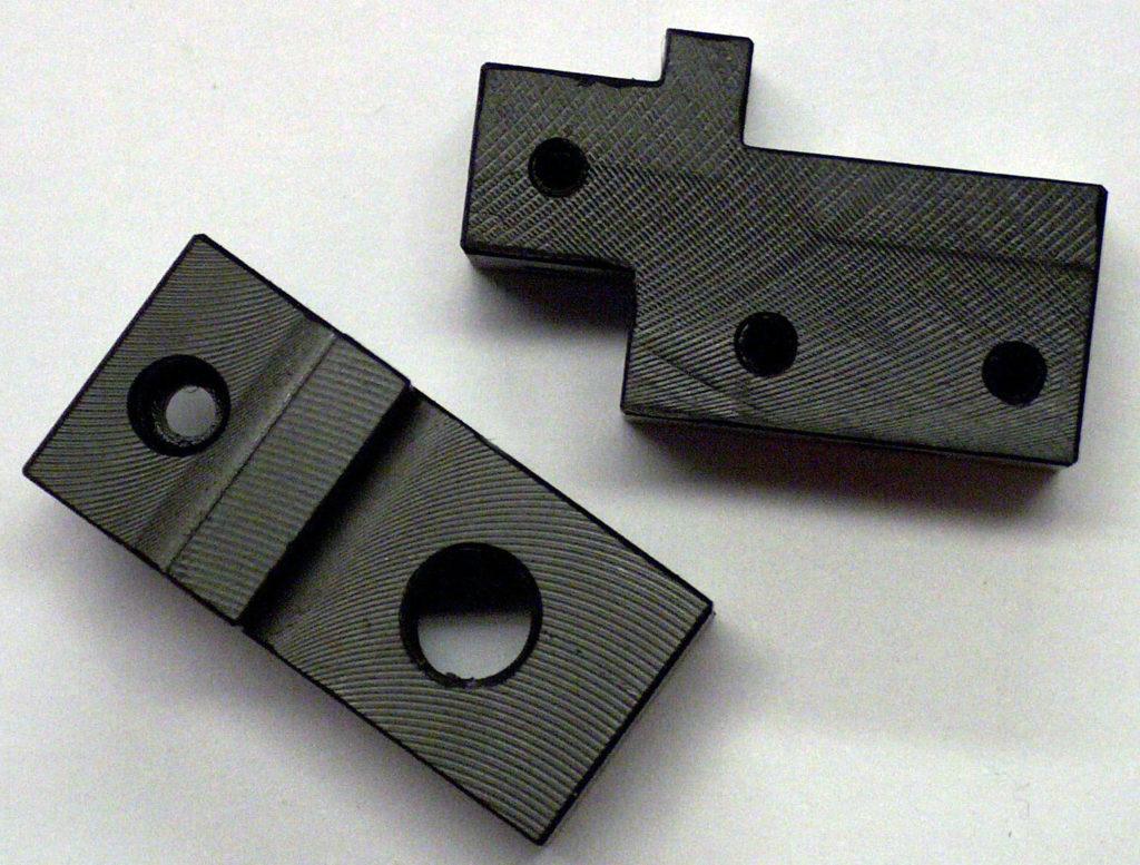 Przykładowe detale wyprodukowane z płyty teflonowej